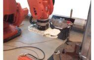 Montage automatisé de cales de pôle-sabot dans des générateurs de puissance à ondes linéaires - à l'aide de la robotique industrielle et de capteurs de proximité (projet électrique / électronique)